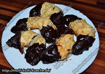 Mandelhörnchen - Chocolate Almond Crescents