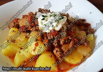 Schmorgurke mit Hackfleisch und Kartoffeln