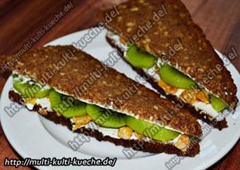 Frischkäse Brot mit Kiwi