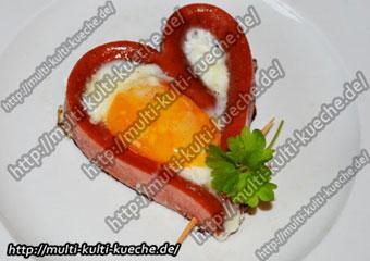 Herz Spiegelei in Würstchen