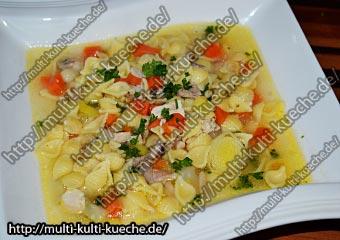Hühner Nudel Suppe