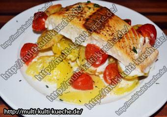 Kartoffeln und Lachs in Sahnesauce