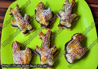 Oster Blätterteig Gebäck mit Nuss Nougat Creme