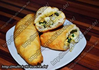 Piraschki mit Ei