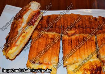Türkischer Sucuk Eier Toast Knoblauchwurst