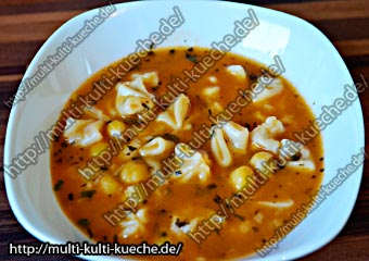 Kichererbsen Suppe mit Manti