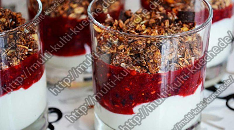 Frühstücksmüsli mit Joghurt Beeren Mix
